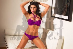 Suzie-lou happy ending massage in Malibu, escort girls